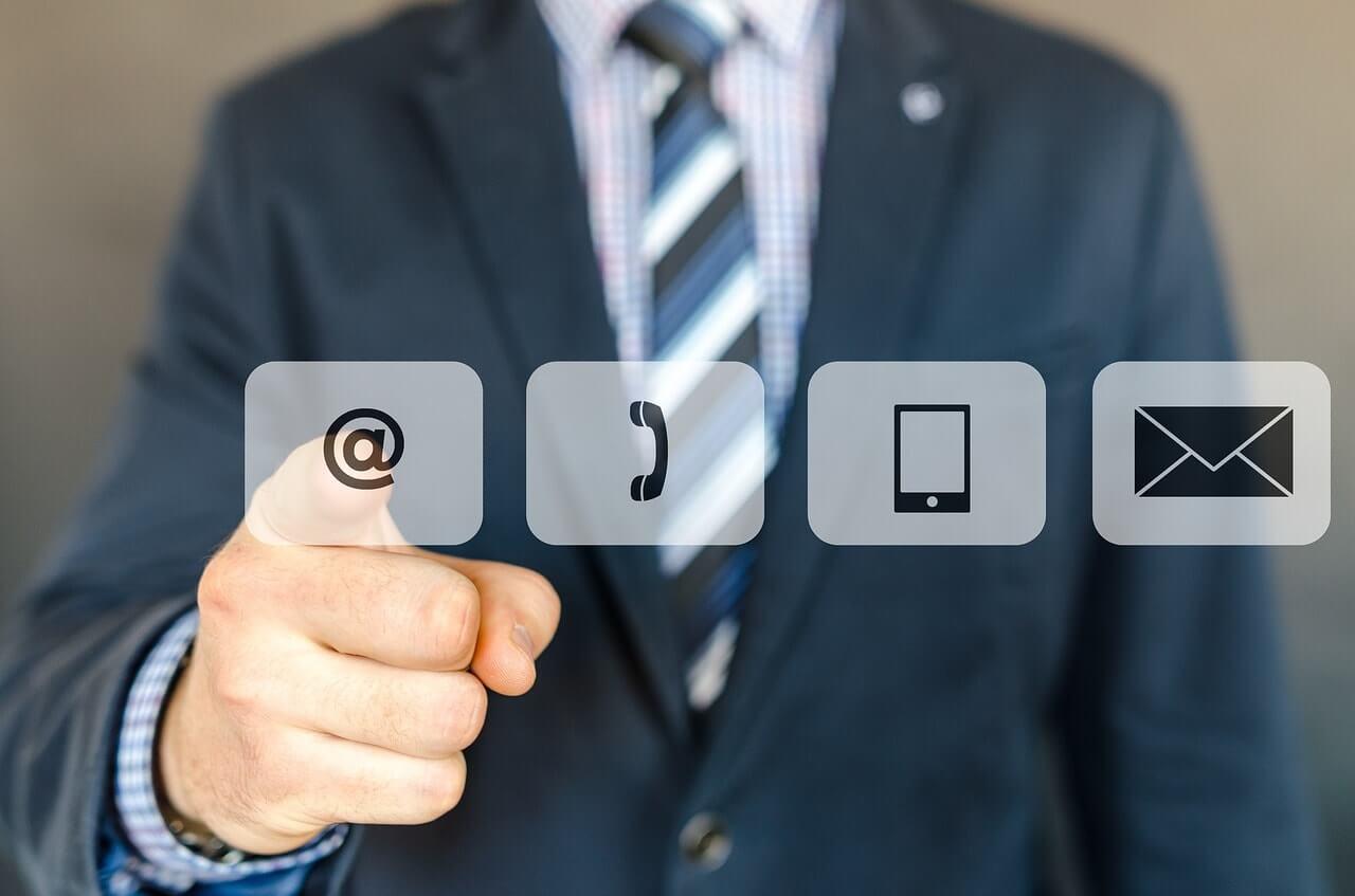 Webライターに必須の3つのコミュニケーションツールの紹介【必ず用意】
